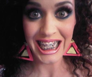 katy perry, tgif, and braces image