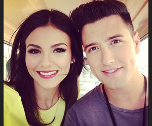 victoria justice, logan henderson, and big time rush image