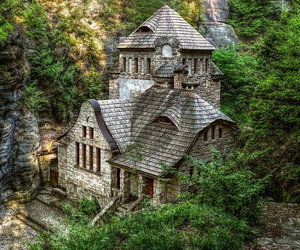 beautiful house, bewitched, and wild image