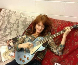florence welch and guitar image