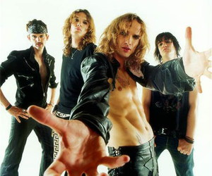 the darkness and my favourie band image