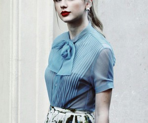 Taylor Swift, red, and begin again image