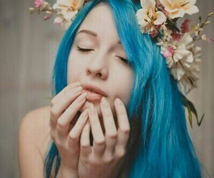 colored hair and blue hair image