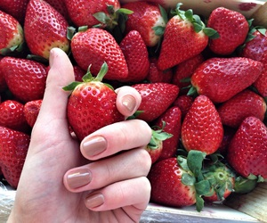 berry, nails, and pretty image