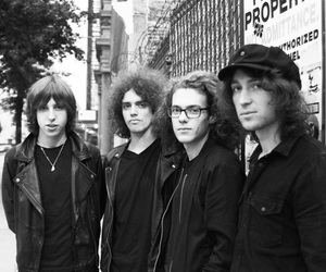 lids, catb, and catfish and the bottlemen image