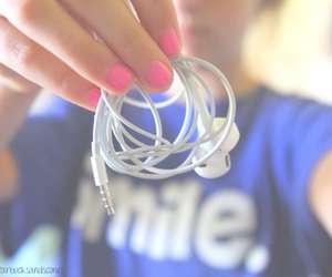 tumblr, quality, and earphones image