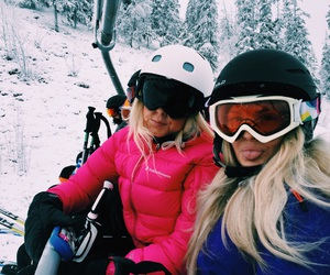 girls, ski, and Skiing image