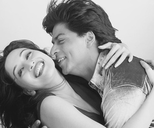 shah rukh khan, madhuri dixit, and bollywood image