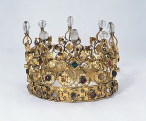 crown, gold, and jewels image