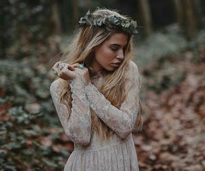 girl, photography, and wood image