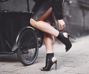 black, heels, and linda image