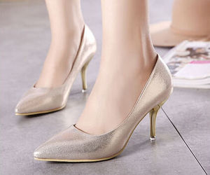wholesale7 and gold pumps image