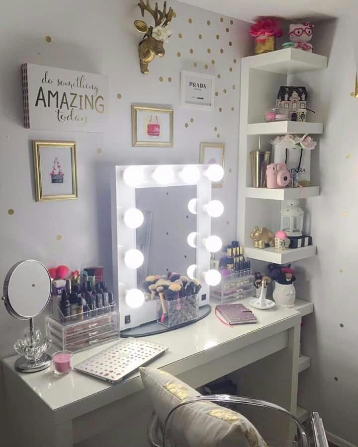 makeup and decor image