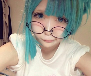anime girl, blue hair, and icon image