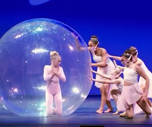 ballet, bubble, and dancing image