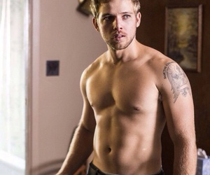 bates motel and max thieriot image