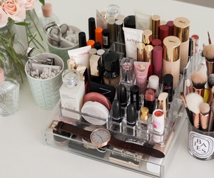 makeup and collection image
