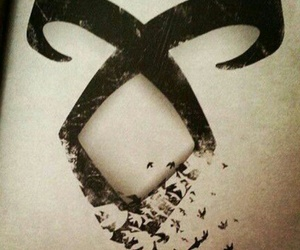 the mortal instruments, runes, and shadowhunters image