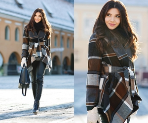 fashion blogger, airport outfit, and larisa costea image