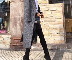 chic and ootd image