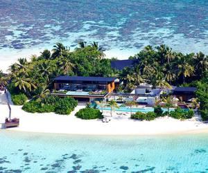 house, Island, and luxury image