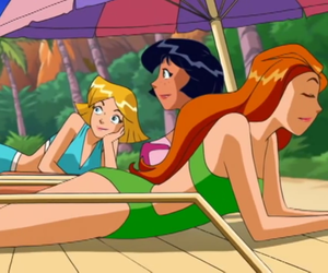 alex, clover, and totally spies image