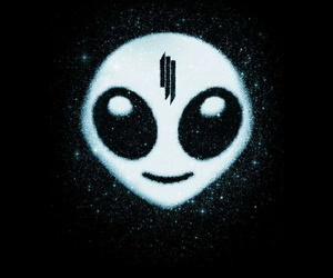 skrillex, alien, and recess image