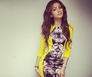 zendaya, dress, and pretty image