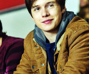 nick robinson, boy, and the 5th wave image
