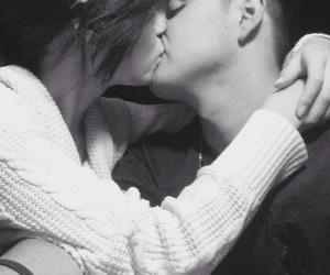 couple, kiss, and yeei image