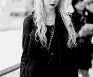 Taylor Momsen, gossip girl, and the pretty reckless image