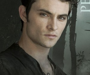 red riding hood and shiloh fernandez image