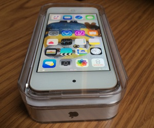 apple, ipod, and ipod touch 6g image