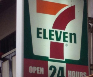 singapore and 7eleven image