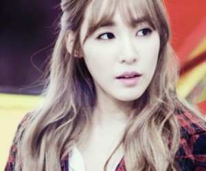 blond hair, tiffany, and taetiseo image