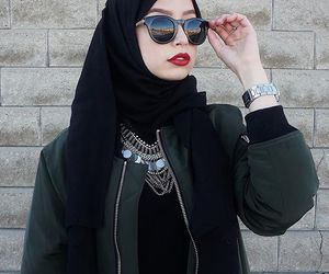 fashion, hijab, and lipstick image