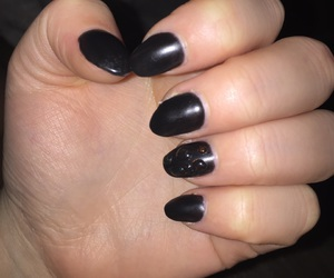 black, wassertropfen, and nails image