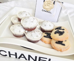 chanel, cupcakes, and good image