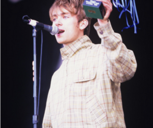 blur, damon albarn, and he's so cute omg image