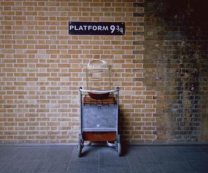 harry potter, platform 9 3 4, and book image