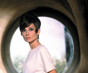 audrey hepburn, how to steal a million, and audreyhepburn image
