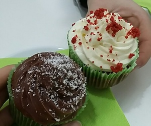 gnam and cupcakes image