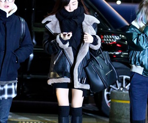 airport, girls generation, and clothes image