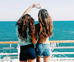 fit, sea, and friends image