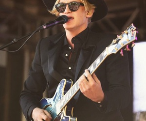 music, surfer, and cody simpson image