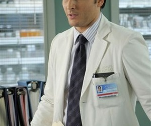 Peter Facinelli, nurse jackie, and dr cooper image