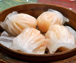 dim sum and food image