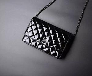 fashion woc bag, patent woc bag, and small woc bag image