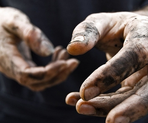 hands, dirty, and black image