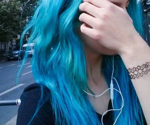 blue hair and blue image